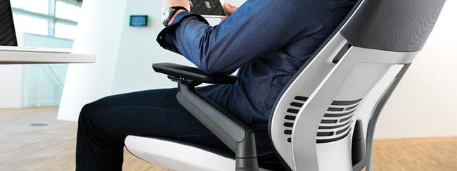 「君はゼロから何を生み出せるか」が問われる時代に適した椅子「Gesture(ジェスチャーチェア)」がすごい!
